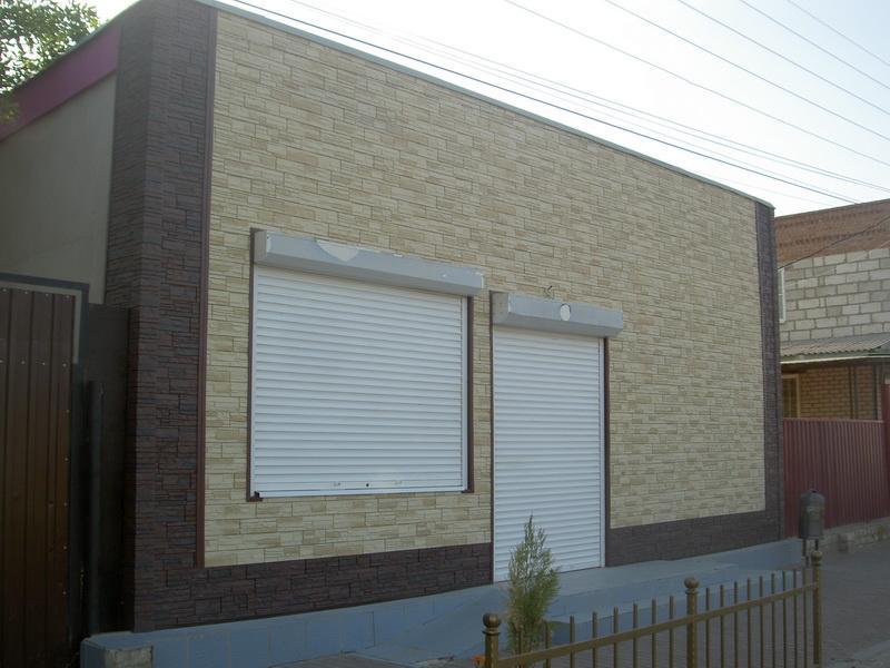 Отделка фасадными панелями магазина